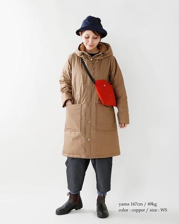 日本人女性の体型に綺麗に合うサイズ感やシルエットに出会えるパープルレーベル。洗練されたデザインながらも、ノースフェイスならではの機能性を備えているから、家にあると思わず手にとってしまう1着に。