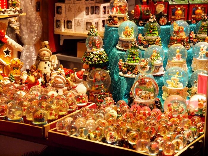 クリスマスの贈り物を選ぶのはワクワクする反面、「何がいいのか思いつかない…」と頭を悩ませてしまうこともありますよね。大切な人が心からの笑顔になれるような、とっておきのプレゼントのヒントをご紹介します。自分への贈り物にもぴったりですよ。