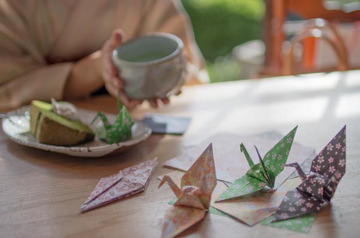 たかが折り紙、されど折り紙。立体折り紙の世界は「こんなのも作れるの?!」と驚かされるものばかり。気になるモチーフがあれば、ぜひチャレンジして、お部屋のデコレーションを楽しんでみてください。