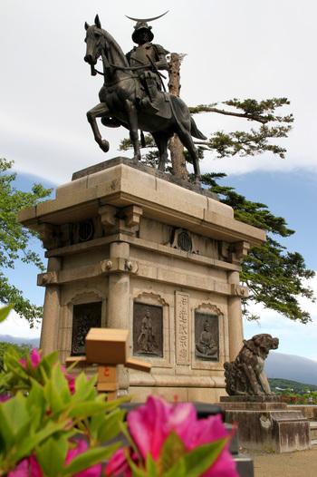 「杜の都」として知られる宮城県仙台市。豊かな自然に囲まれ、伝統的な文化も残る仙台ですが、東京から新幹線で約2時間と気軽に行けるところが魅力です。