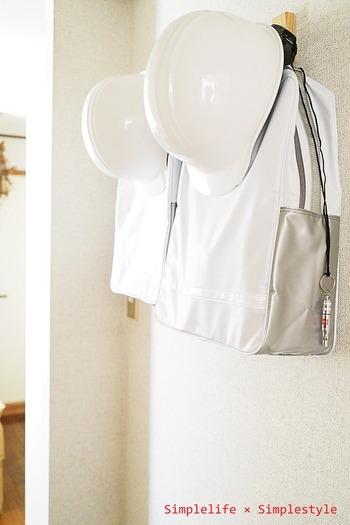けれど、せっかく用意した持ち出し袋が、いざというときに運べない状態では意味がありません。 わかりやすく持ち出しやすい玄関などの場所に置き、家族みんなで情報を共有しましょう。