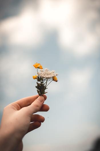 自分では日々成長しているつもりでも、時には本当に成長出来ているか不安になることもあるでしょう。そんな時は、自分のことが好きかどうか、心の中で問いかけてみてください。