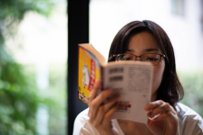 まず自分の好みや読書傾向を考えてみましょう。どんな選び方をするにせよ、指針となる部分です。この時、もし読書が続かないとしたら、その原因も一緒に考えてみましょう。
