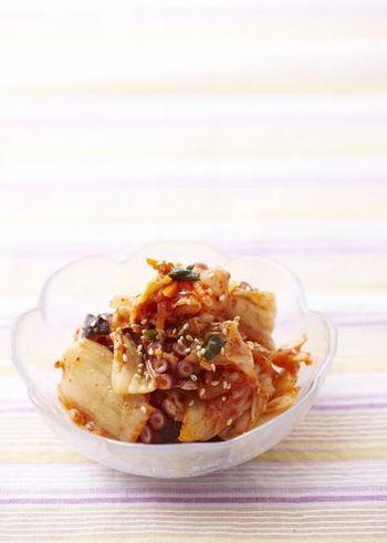栄養豊富でおいしいキムチ。味がしっかりしているので、なにと和えてもおいしくなります。こちらはタコのキムチですが、イカの刺身などで和えるのもおすすめ。