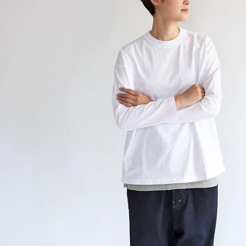 クラシック天竺を使った薄すぎず、厚すぎない絶妙な生地感がたまらないTシャツは、身頃がゆったりとしていて着心地が抜群です。