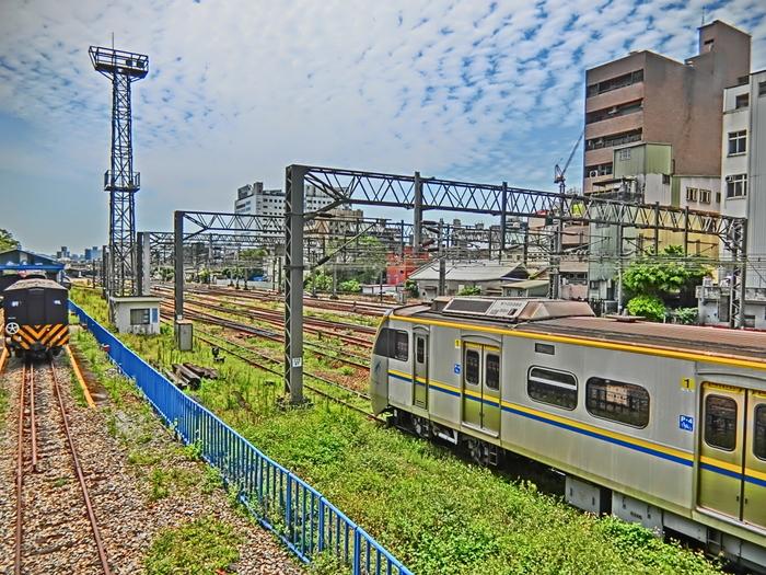 台北周辺都市は、電車やMRTを使うと良いでしょう。  電車で台北周辺スポットにアクセスする場合は、台北駅からの利用がスムーズですよ。