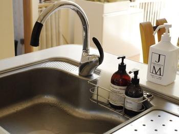 キッチン周りはもちろん、洗面台の蛇口や浴室のタイル、お鍋ややかんの調理器具などの目立った汚れやくすみも綺麗に取る事ができます。100円のコストで気持ちのよい空間にできるなんて素敵です。