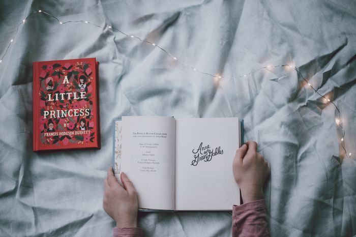 難しいというイメージがあるのか、集中力が続かないのか。なんであれ本から遠ざかる理由が見えてくると思います。そうしたら本当にそれが問題か考えてみて下さい。本は柔軟なメディアなので、ほとんどの場合問題ではないという事が分かると思います。