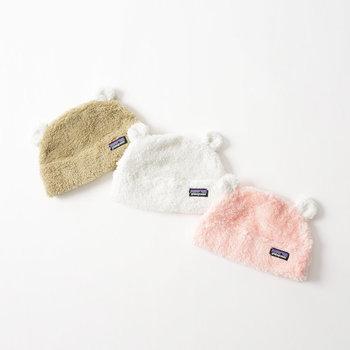 出産祝いの定番とも言えるお洋服も良いですが、実は扱いやすいのはファッション小物の方。服やアウターに合わせて変えたい帽子なら、ママにも喜んでもらえるはず♪