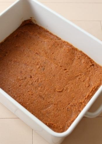 納豆菌で発酵させる納豆には、ナットウキナーゼなど優れた健康効果が。また、大豆に麹菌を加えて熟成発酵させる味噌・醤油には、やはり健康に役立つ大豆ぺプチドなどが多く含まれます。もちろん、塩麹や醤油麹なども優秀な発酵物。ぜひ、いろいろな発酵調味料で、さまざまな栄養を取り入れましょう。