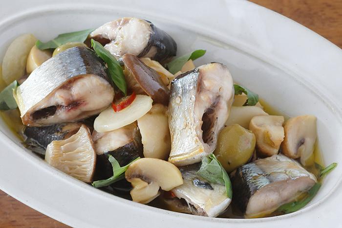 そこで、今回は、お弁当に入れて、冷めても美味しい。さらに作るのも簡単。作り置きもしたい!そんな気持ちになれる、魚のお弁当おかずをご提案♪  寒くなる秋冬に「旬」を迎えるお魚をセレクトしましたので、早速、明日からのお弁当づくりに役立ててはいかがでしょう。