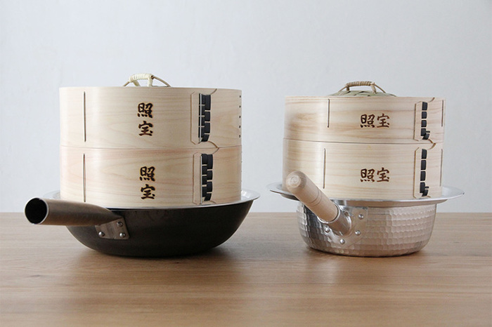 中華鍋や手持ちのお鍋にポンと乗せて蒸しあげるだけ。お家点心も楽しめるオススメのせいろです。