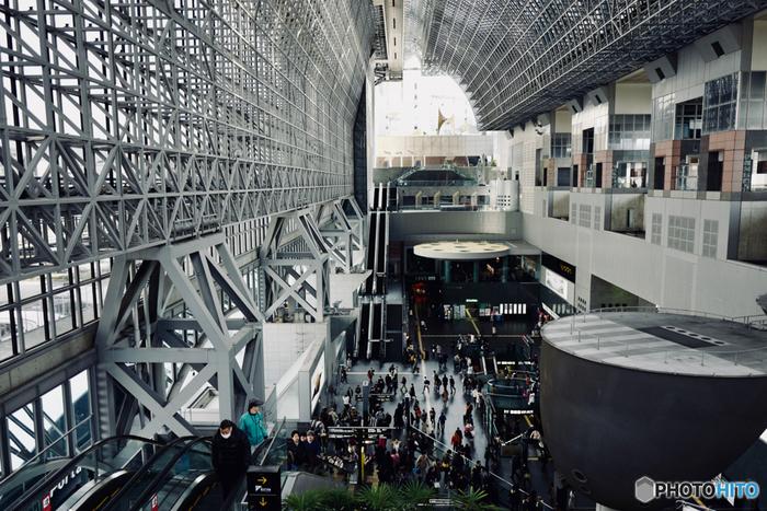 京都駅には、地下街や伊勢丹など、ランチができるお店がいっぱい。京都駅に着いてすぐ。京都から帰る前に。 すぐに寄れるところばかりなので、ぜひ京都駅でランチに舌鼓を打ってくださいね。
