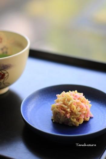 「若葉のかおり」「水の宿」「宇治の夏」など、ビジュアルやネーミングも美しく「季節の生菓子」「季節の羊羹」は、舌ばかりでなく目も心も楽しませてくれます。  京都限定の「抹茶あんみつ」、そして暑い夏にはひんやり涼めるかき氷など、心惹かれる和スイーツが堪能できますよ。