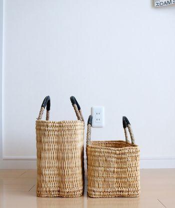 夏の間一緒に過ごしたかごバッグも、春先や秋以降はインテリアとして大活躍。ブランケットを収納したり、読みかけの雑誌を置き場所にしたり、様々な使い方ができます。
