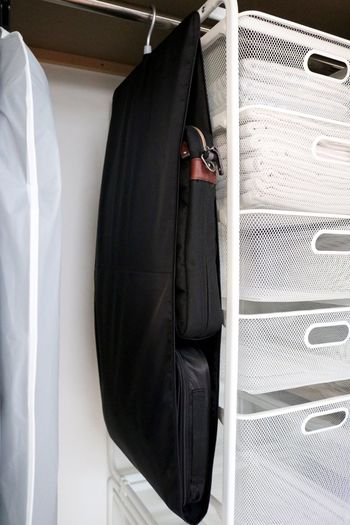 限られたスペースなら、バッグポケットを使えば、省スペースでコンンパクトに収納できますね。同じようなサイズのバッグであれば、すぐに真似できそうです。