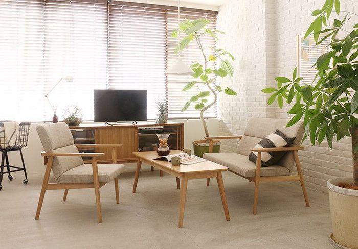 シェルフやキャビネットなどを自由に組み合わせて使えるシリーズ家具なら、お部屋の間取りに合わせて自分好みの収納スペースを作ることができますよ。 おしゃれなデザインと機能性を兼ね備えた素敵な収納家具を見つけて、すっきりと統一感のある快適なお部屋を実現してみませんか?