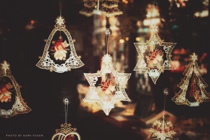 11月下旬〜12月に札幌に訪れる予定の方は、大通公園で開催される「ミュンヘンクリスマス市」へもぜひご来場を。札幌市の姉妹都市・ミュンヘンにちなんで、ドイツのクリスマスを模したマーケットが出現。ここでしか買えない海外製のオーナメントや、地元作家のクリスマスカードなどが並びます。 2018年は11月22日(木)~12月25日(火)開催です。