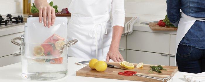 ただの保存容器に留まらない「スタッシャー」。アイデア次第で毎日のお料理がもっと楽しくなりそう。安心・安全で地球にも優しいキッチンツールとして、注目のアイテムです。