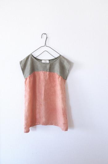 着物を、普段着こなせる洋服にリメイクすることができます。 こちらはフレンチスリーブに仕立て直した例。袖をつける必要もなく工程も簡単です。 さりげなく着物特有の風合いが出ていて、とても素敵ですね。