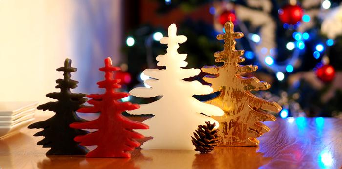 オブジェとしての存在感も抜群のクリスマスツリーキャンドル。他のシンプルなキャンドルと組み合わせたり、さまざまな季節のアイテムをいっしょに置いてみたり。テーブルをおしゃれにデザインしてみましょう。