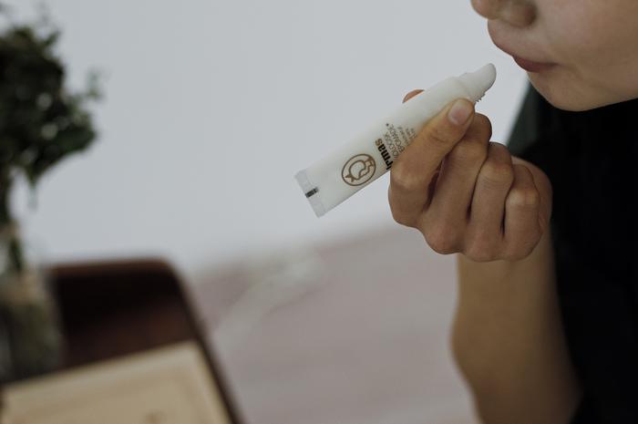 そんなIrma(イヤマ)が、実績ある化粧品メーカーAllison(アリソン)とコラボレーションしてつくったのが、こちらのリップポマード。アロエベラ葉汁やアボカドオイル、シアバターなど、天然由来の成分がたっぷり配合されています。
