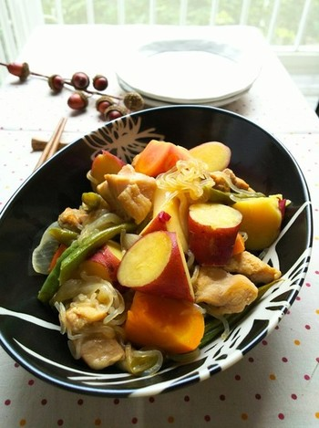 ご紹介したレシピはいかがでしたか? 栗やさつまいもは、色味がよいので、食卓も明るく華やかになりますよね。 いつもの献立とは違うメニューで、栗・さつまいも・里芋の甘さとほっこり優しい味わいを楽しんでみてください。