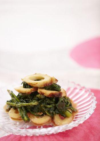 辛子と春菊の大人っぽさを竹輪が中和してくれる絶妙なバランスの和え物はお弁当やお酒のおつまみにも最適です。さっとゆでることで量をたくさんいただけるのも嬉しいですね。