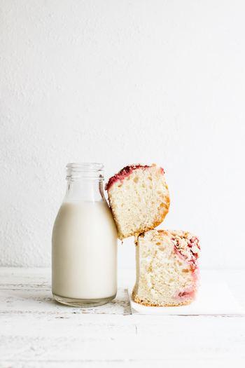 乾燥肌の人におすすめしたいのが牛乳風呂です。高い効果を期待して、たっぷり入れるレシピもありますが、コップ1杯程度の牛乳を入れるだけでも十分です。牛乳の脂肪分で湯冷めしにくいと言われています。