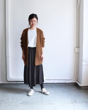 デイリールックの鮮度が高まるニットスカート。トップスや小物次第で雰囲気も変幻自在。この季節にはぜひ取り入れたいシーズンアイテムです。 お手本コーディネートを参考にしながら、みなさんもニットスカートのスタイリングを楽しんでくださいね♪