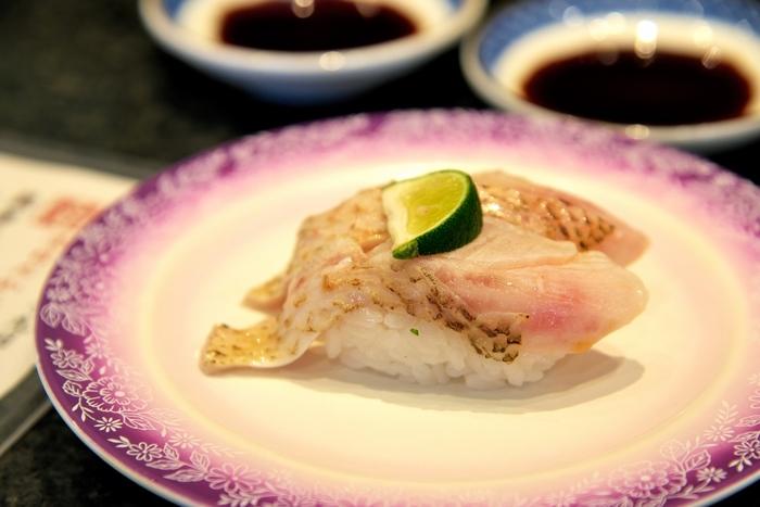 金沢のグルメと言えば日本海で採れた新鮮な魚介類が魅力です。採れたての美味しい海鮮グルメを「金沢」ならではの食べ方で味わいたいですね。