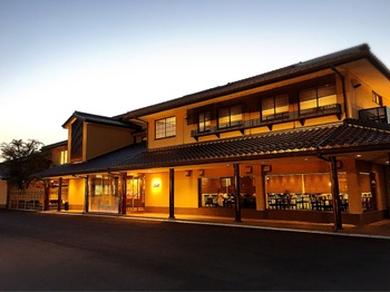 明治12年創業の近江牛レストラン「毛利志満(もりしま)」。自社の牧場で品質にこだわって育てた近江牛を提供しています。