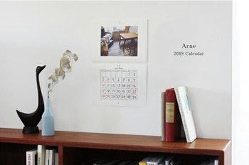 ブックデザイナーの大橋歩さんが企画から取材まで手がけたリトルプレスArne(アルネ・2002-2009)の2019年カレンダー。 アルネに掲載された写真が12枚セレクトされています。