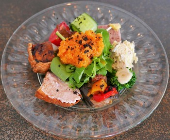 予約必至のイタリアン「DA KOJI(ダ コージ」。近江八幡の朝採れ野菜がたっぷり使われています。