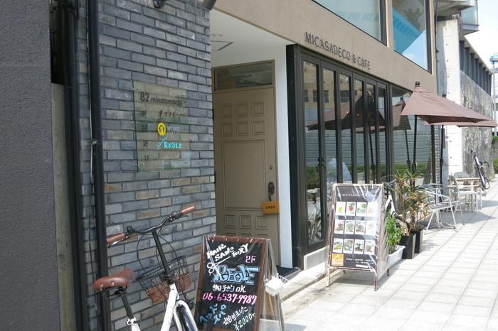 ふわふわパンケーキが話題のお店「ミカサデコ&カフェ」。なんば駅から徒歩数分のおしゃれカフェです。