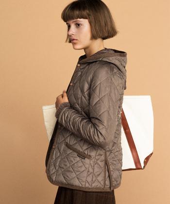 """1969年にイギリスの小さな村・ラベンハムで誕生した、イギリスを代表するファッションブランド「LAVENHAM(ラベンハム)」。ひし形を繋ぎ合わせた""""ダイヤモンドキルト""""が特徴です。"""