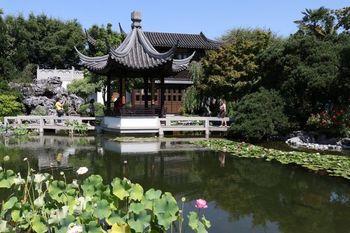 中国の伝統的な建築美に触れられる、ラン・スー中国庭園(チャイニーズガーデン)が、チャイナタウンの地区にあります。  中国の移民の方にとってはもちろん、中国文化に親しめる場所としても、大切にしたい庭園ですね。