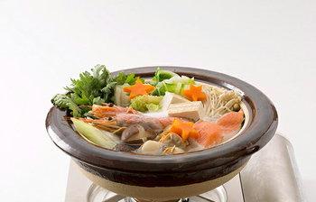 濃い色合いがお鍋の具材を美味しそうに見せてくれる。いつものお鍋が違って見えそうです。