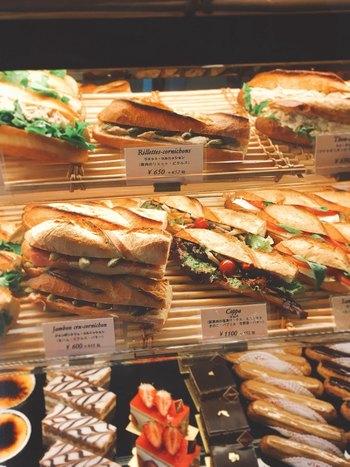 テイクアウトできる、バゲットのサンドイッチも絶品です。