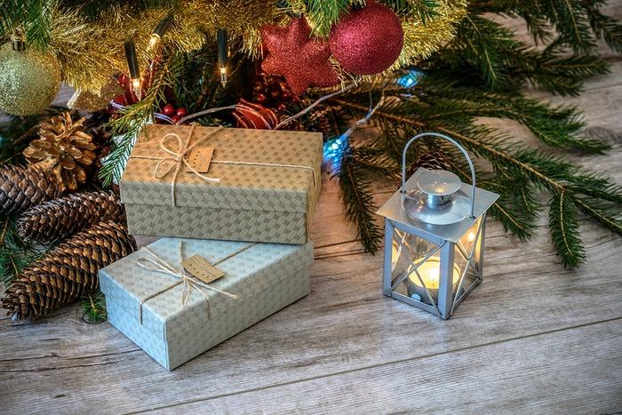 クリスマスパーティーでプレゼント交換の企画があったら、ぜひ、素敵なものを選んで場を盛り上げてみましょう。どなたに当たるかわからないプレゼントなので、自分がもらって嬉しいアイテムをチョイスすると間違いないでしょう。
