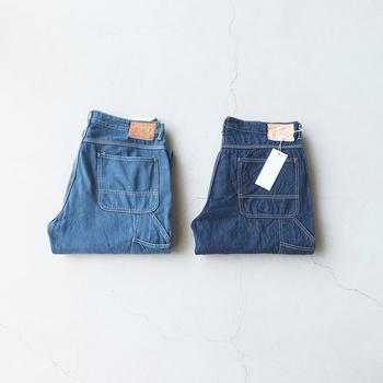 細身ストレートの定番ジーンズを制服のように着回すのも、パリジェンヌの特徴のひとつ。自分の体型にしっくりくるものを見つけたら、大切に育てたいですね。