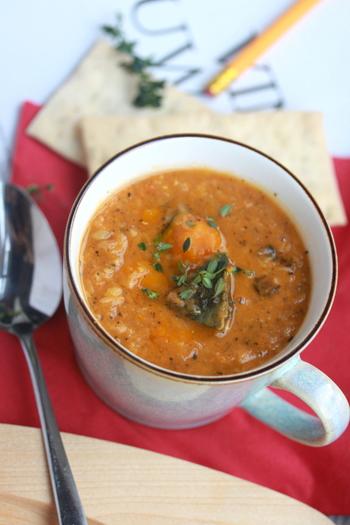 ほかほかに温まる、豆を使った煮込み料理&汁・スープ。疲れた体に負担をかけずに良質な栄養を補給できます。朝食や、少し遅めの夕食にもぴったり。寒い季節には、優しい豆の煮込み料理を定番にしてみませんか?