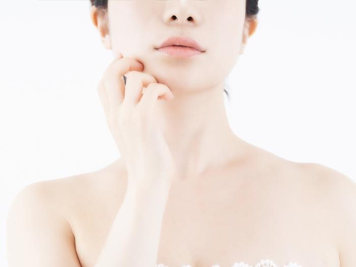 年齢を重ねるにつれて、スキンケアに使うアイテムが増えていく。女性にとっては決して珍しくないこんな事実が、実は肌への負担になっているかもしれないということをご存知でしょうか?