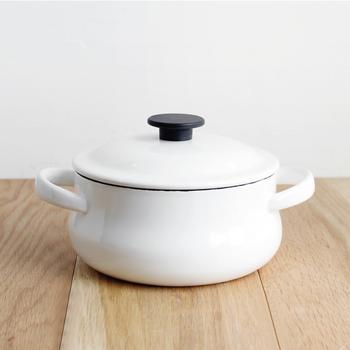 人気店や料理上手さんのたくさんのメニューやレシピから、早速食べてみたいお鍋は見つかりましたか?いつもの具材であっても、スープやお出汁を変えてみたり、1種類具材を足してみるだけでレパートリーがぐっと増えますよ。今期も鍋を思いっきり楽しみましょう!