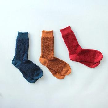 ベビーアルパカの毛を織り込んで作られたふかふかで優しく包まれているような暖かいソックスがこちらのBaby alpaca & Merino wool socksです。