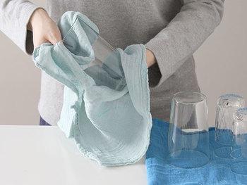 使い込む程にふんわりと優しい肌触りになり、食器ふきから台ふき、雑巾へと用途を変えながらくたくたになるまで長く使い続けることができます。