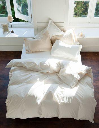 枕や枕カバーに敷きパッドにシーツに…とベッドアイテムはたくさんあるので、一気に変えるのには勇気がいりますよね。そんなときは、新年という節目が後押ししてくれそうです。