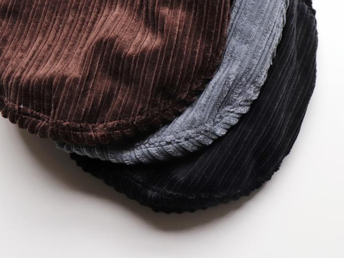 """近年じわじわ人気を集めているのが「ベレー帽」です。少し前までは""""コーデ上級者さんの帽子""""との印象が強く、敬遠されがちでしたが、今ではすっかり秋冬帽子の定番!いつもの服装に合わせるだけでオシャレさが増すので、コーデの締めにぴったり。意外といろんなテイストに合うので注目です。"""
