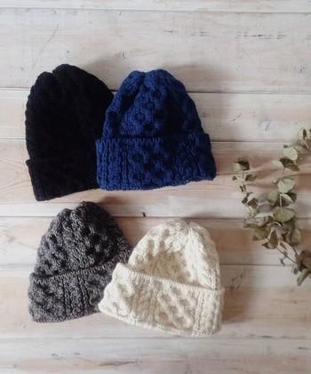 夏は、UV対策で重宝した帽子。秋冬になると被る必要もないし、コーディネートも難しいし…と、タンスの肥やしにはなっていませんか?
