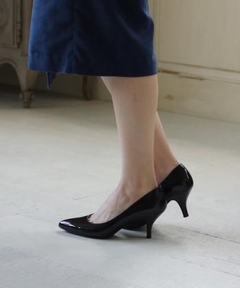ドレスに合わせたフォーマル使いはもちろん、ラフに着こなすデニムに合わせたり普段のスタイルにもしっくり馴染みます。